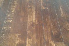 Dąb wędzony po renowacji i wykończony olejowoskiem OSMO